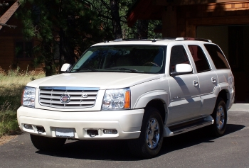 Non Running Cadillac Escalade SUV to Sell for Salvage